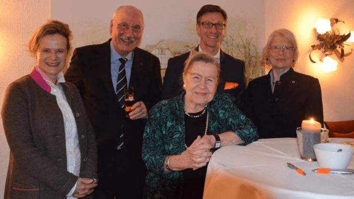 (v.l.n.r: Dr. Andrea Niehaus; Nikolaus Kircher; Prof. Dr. Ursula Lehr; Dr. Christos Katzidis; Dr. Monika von Hassel)